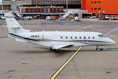 4X-CLL (GH@BHD) Tags: 4xcll iai1126 israelaircraftindustries galaxy gulfstream g200 tamirairways ltn eggw londonlutonairport lutonairport luton bizjet corporate executive aircraft aviation
