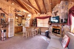 Living Room & Kitchen (junctionimage) Tags: 519 sugarloaf