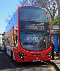 First Norwich 36194 is loading up at a bus stop on Castle Meadow while on route 23 to Costessey via City Centre. - BN12 JYU - 1st April 2019 (Aaron Rhys Knight) Tags: firsteasterncounties firstnorwich redline 36194 bn12jyu 2019 castlemeadow norwich norfolk first volvob9tl wrighteclipsegemini2