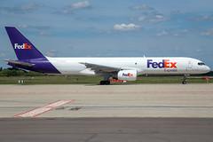 FedEx B757-236(SF) N915FD (wapo84) Tags: eblg lgg b757 fedex federalexpress n915fd