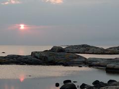 fotö (helena.e) Tags: helenae motorhome husbil rv älsa fotö water vatten klippor cliff cliffs sunset solnedgång bohuslän