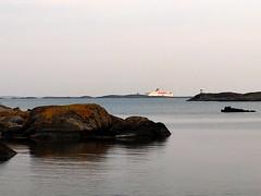 stena line (helena.e) Tags: helenae motorhome husbil rv älsa fotö water vatten klippor cliff cliffs sunset solnedgång reflection spegling bohuslän