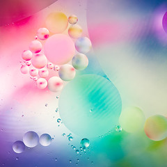 Colors of the cosmos (Ro Cafe) Tags: mm macro macromondays nikkor105mmf28 oilonwater sonya7iii bubbles colorful