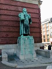 Hamburg 2019 – Hauptkirche Sankt Michaelis – Statue of Martin Luther (Michiel2005) Tags: germany deutschland hamburg duitsland church kirche michel kerk sintmichielskerk stmichaelschurch hauptkirchesanktmichaelis martinluther luther