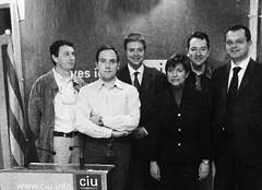 Ramon Sauló, Carles Padró-Solanet, Octavi Moreno, Jordi Sabater i Jordi Castanyer donant suport a Consol Plà (CiU). Municipals 2003. Cerdanyola (ArxiuTOT) Tags: cerdanyola cerdanyoladelvallès totcerdanyola ramonsauló carlespadrósolanet octavimoreno jordisabater jordicastanyer consolplà ciu