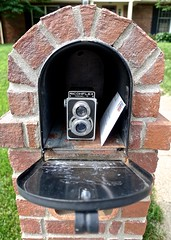 The Day a Ricohflex Model VI Showed Up in the Mailbox (ricko) Tags: mailbox camera ricohflex modelvi letter twinlens werehere brick 154365 2019