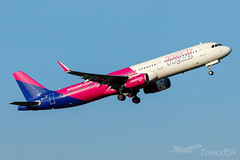 HA-LTE | Wizz Air | Airbus A321-231 | BUD/LHBP (Tushka154) Tags: hungary wizzair a321231 airbus ferihegy budapest a321 a321200 spotter halte airbusa321 aircraft airplane avgeek aviation aviationphotography budapestairport lhbp lisztferencinternationalairport planespotter planespotting spotting