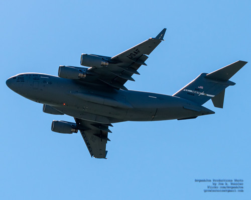 A Travis AFB C-17 With Beacon On