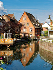 France - Colmar - La Petite Venise (Philippe Larosa) Tags: rance colmar petitevenise canal venice alsace hautrhin lauch house colored old reflects reflets water eau maison colombage timberedhouse