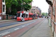 't Is rood en het... (Peter ( phonepics only) Eijkman) Tags: amsterdam city combino gvb cxx connexxion ebus tram transport tramtracks trams trolley rail rails strassenbahn streetcars bussen busses bus nederland netherlands nederlandse noordholland holland