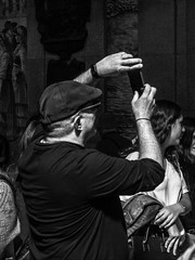 tourist (Francisco (PortoPortugal)) Tags: 1032019 20190502fpbo9409edit turismo tourism turista tourist porto portugal pretoebranco blackandwhite monochrome monocromático pessoas people bw nb pb