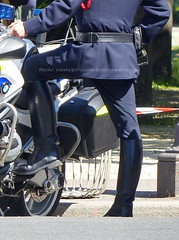 "bootsservice 19 2020624 (bootsservice) Tags: police ""police nationale"" policier policiers policeman policemen officier officer uniforme uniformes uniform uniforms bottes boots ""riding boots"" motard motards motorcyclists motorbiker biker moto motorcycle bmw paris"