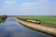 56113 + 56090 Godnow Bridge 28/3/19 (Ram 69) Tags: 56113 56090 godnowbridge colasrailfreight class56 grids 6e32