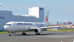 Boeing 767-346, JA8986, Japan Airlines (RWC 2019 Livery) (tkosada.mac) Tags: japanairlines oneworld rwc2019 boeing b763 tokyointernationalairport hanedaairport hnd rjtt