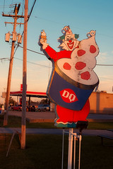 Clown Town (Pete Zarria) Tags: indiana dairy queen neon sign ice cream cone sundae blue red