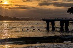 Amanhecendo em Copacabana - Rio de Janeiro (mariohowat) Tags: amanhecer nascerdosol sunrise praiasdoriodejaneiro praiadecopacabana copacabanabeach copacabana riodejaneiro brasil brazil canon6d