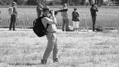 Georges (Laurent Quérité) Tags: canonfrance canoneos7d canonef100400mmf4556lisusm noirblanc blackwhite portrait spotter photographe monochrome homme man meetingaérien airshow ba115 orangecaritat france