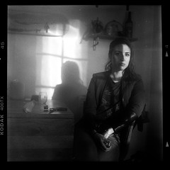elizabeth on medium format (Duke of Gnarlington) Tags: yashica124 kodaktrix400 black white bw film analog kodak dust portrait shadow girl