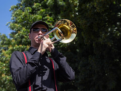 Sachsen-Anhalt-Tag in Quedlinburg (Helmut44) Tags: deutschland germany sachsenanhalt quedlinburg harzvorland sachsenanhalttag festumzug evening event trompeter musiker musician kostüme