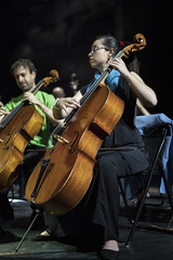 Pizzicato de chelo (Guillermo Relaño) Tags: pizzicato chelo cello violonchelo ensayo teatro nuevoapolo madrid camerata musicalis especial ¿porqueesespecial guillermorelaño sony a7 a7iii a7m3 alpha alfa ilce tchaikovsky cuarta cuatro 4sinfonia