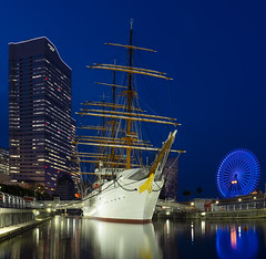 Nippon Maru (W. Hkyu) Tags: japan yokohama olympus night lightup