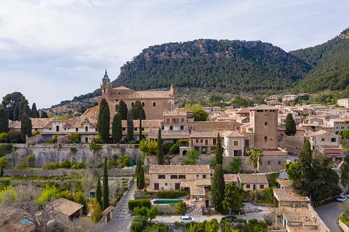 Kirche der Kartause (Iglesia de la Cartuja) im Dorf von Valldemossa auf Mallorca, Spanien