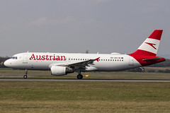 OE-LBX | Austrian Airlines |  Airbus A320-214 | CN 1735 | Built 2002 | VIE/LOWW 04/04/2019 | ex OH-LXG (Mick Planespotter) Tags: aircraft airport 2019 a320 nix airbus oelbx austrian airlines loww vie a320214 ohlxg 1735 2002 04042019 schwechat