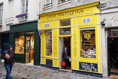 PARIS - SACHA FINKELSZTAJN (Maikel L.) Tags: europa europe frankreich france francia paris marais finkelsztajn bakery bäckerei patissier yiddish kosher jewish jüdisch gelb yellow amarillo jaune shop shopfront schaufenster