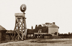 Leigh Beck Farm, Canvey Island (footstepsphotos) Tags: canvey island leighbeck farm essex windmill windpump old vintage photo past historic