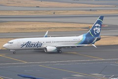 N517AS (LAXSPOTTER97) Tags: alaska airlines boeing 737 737800 n517as cn 35197 ln 2770 airport airplane aviation kpdx