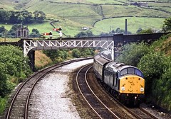 40003, Marsden, West Yorkshire, July 1979 (David Rostance) Tags: 40003 class40 englishelectric marsden westyorkshire semaphoresignals