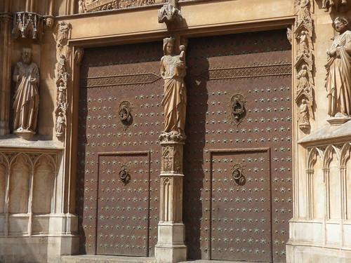 Tarragona Cathedral from Pla de la Seu, Tarragona - Cathedral doors