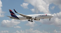 Boeing 767-300 (N534LA) Latam Cargo (Mountvic Holsteins) Tags: boeing 767300 n534la latam cargo mia miami international airport florida