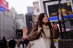 Shinjuku, Tokyo 201904 (hobotei) Tags: shinjuku tokyo city urban girl woman lady people streetsnap streetphotography fujifilm x100t 新宿 東京 路上スナップ ストリートスナップ