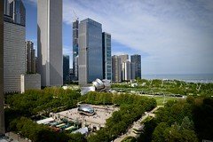 A View From Above - Chicago IL (Meridith112) Tags: michiganavenue millenniumpark park chicago il illinois midwest cookcounty skyscrapper skyline spring 2019 may nikon nikon2485 nikond610 bean cloudgate view cindys rooftop cindysrooftop