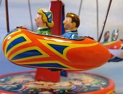 es geht rund (hussi48) Tags: blechspielzeug toys childhood kindheit bunt childhoodtoys macromondays