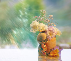 """... time to stand and stare"" (Elisafox22) Tags: elisafox22 sony ilca77m2 100mmf28 macro macrolens telemacro lens kokeshi doll wood wooden flowers freesias sunshine bokeh barrel kokeshidoll summer hbw bokehwednesday stilllife poem whdavies leisure elisaliddell©2019"