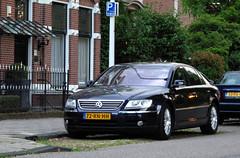 2003 Volkswagen Phaeton 3.2 V6 (rvandermaar) Tags: 2003 volkswagen phaeton 32 v6 volkswagenphaeton vw vwphaeton sidecode6 72rnhh