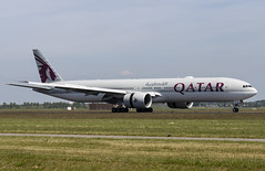 A7-BEG Boeing 777-300(ER) Qatar Airways AMS 2019-06-01 (19a) (Marvin Mutz) Tags: a7beg qatar airways boeing 777300er ams aviation planespotting avgeek aircraft airplane aeroplane plane pilot cockpit crew passenger travel transport jet jetliner airline airliner wings engines airport runway taxiway apron clouds sky flight flying eham amsterdam schiphol polderbaan netherlands
