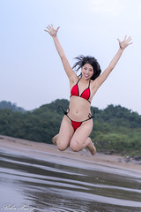 DSC_8574 (Robin Huang 35) Tags: 中華民國 淡水區 新北市 portrait girl lady nikon bikini 人像 eisen 比基尼 海邊 海灘 沙灘 泳裝 d850 洲子灣 艾森 海邊壓光