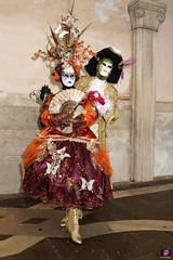 QUINTESSENZA VENEZIANA 2019 763 (aittouarsalain) Tags: venezia venise carnevale carnaval costume masque chapeau plumes éventail