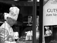 Maitre´ (jezebel_cux) Tags: street hamburg schwarzweis affinityphoto pentaxk3ii hdpentaxda55300mmf458edwr