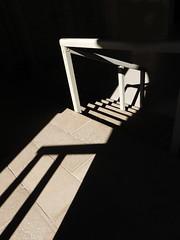 Ombre et lumière 2 (Faapuroa) Tags: ombre lumière shakos light star escalier fontevraux abbaye fantôme vitrail satineglass cathédrale nikon p1000 coolpix