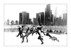 The children's round in the snow (Jean-Louis DUMAS) Tags: chicago hdr sony city cityscape statue neige snow winter hiver tree artistique frame artistic art architecture black blackandwhite noiretblanc nb noir monochrome nuage cloud cloudly sky ciel storm train voyage trip travel bw hightkey