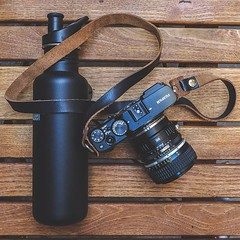 Happy World Environment Day everyone! Whenever we're out shooting we always take a reusable water bottle with us. It's a simple, easy way of getting enough water, while not polluting the planet. 🌍 👊 (Hawkesmill) Tags: madeinengland madeinbritain handmade craftsmanship craftsman artisan madebyhand photography hawkesmill madeintheuk camerabags cameraneckstraps cameraneckstrap camerastrap camerawriststrap leatherstrap handcrafted handstitched vintagephotography vintagecameras 35mmphotography 35mmcamera inmybag shotkit livefolk liveauthentic buyfolk filmisnotdead buyfilmnotmegapixels carryology messengerbag messengerbags passionpassport beautifuldestinations harristweed madeinscotland fashion stylish mensfashion leather horweenleather ecofriendly reusablewaterbottle fujixe3