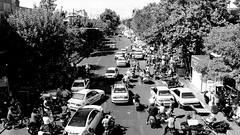 Bouchon (Téhéran, Iran) (Thibaut Fleuret) Tags: téhéran tehran iran cars bouchon trafic traffic travel voyage street rue