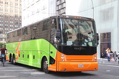 IMG_5999 (GojiMet86) Tags: eastern coach flixbus nyc new york city bus buses 2016 cx45 88 5th avenue 58th street ye2xc81b4g3048913