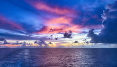 Vanilla Sky of the Indian Ocean / Ванильное небо Индийского океана (dmilokt) Tags: природа nature пейзаж landscape море sea закат рассвет восход sunset sunrise dmilokt ins