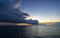 Runaway clouds / Убегающие облака (dmilokt) Tags: природа nature пейзаж landscape море sea закат рассвет восход sunset sunrise dmilokt