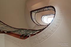 Treppenhaus (Frank Guschmann) Tags: treppe treppenhaus staircase stairwell escaliers stairs stufen steps architektur frankguschmann nikond500 d500 nikon